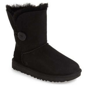 UGG Bailey Button Black Winter Boot Sz 7